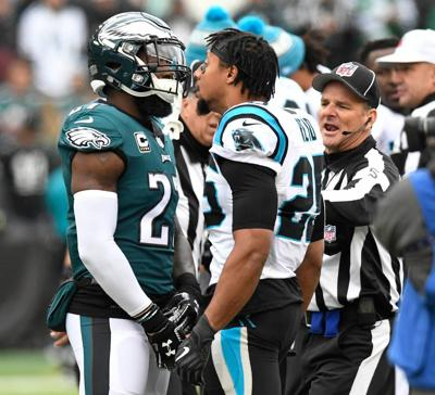 64febc3bc Jenkins and Reid. Eagles  safety Malcolm Jenkins and Panthers  safety Eric  Reid exchange words prior to Sunday s game at Lincoln Financial Field.