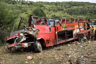 Kenya bus crash kills 55