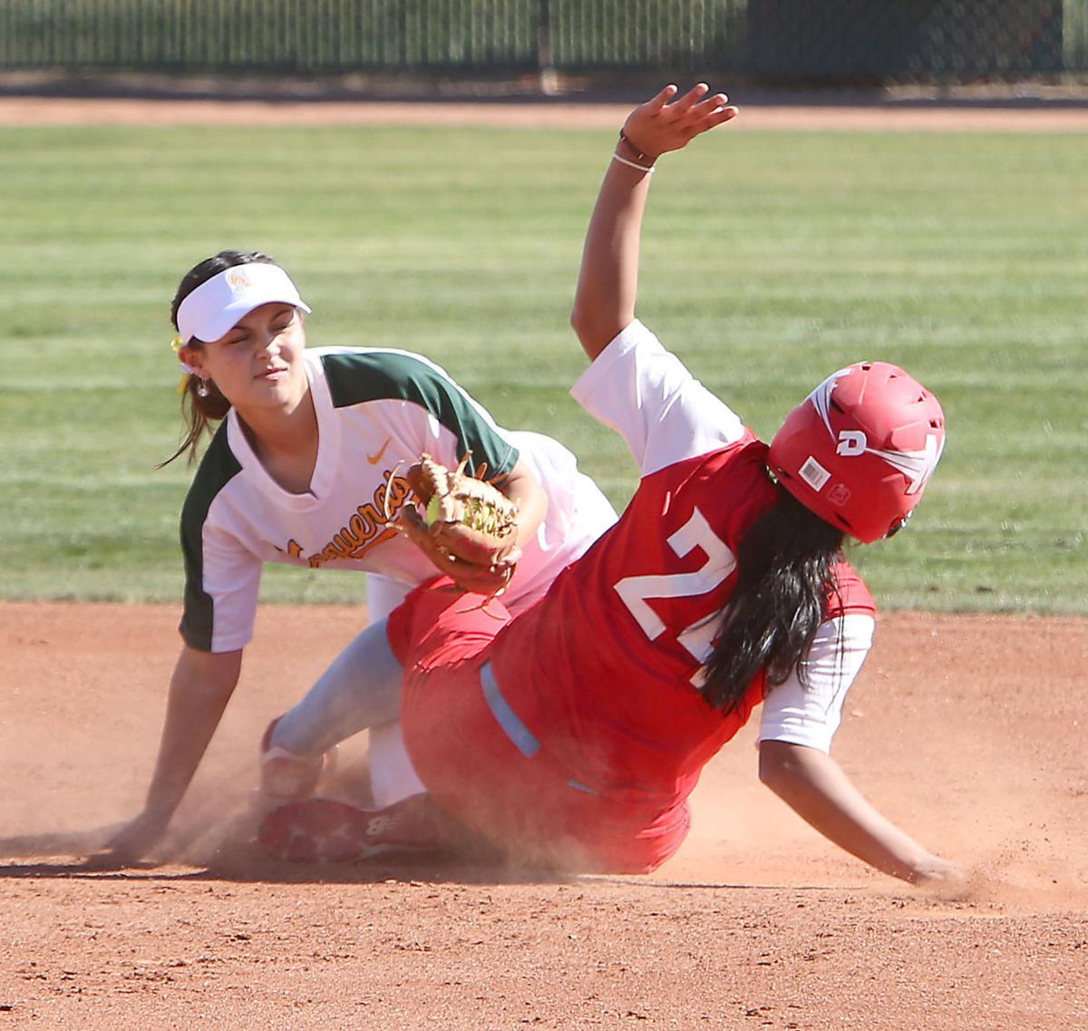 Central vs. Mesa softball