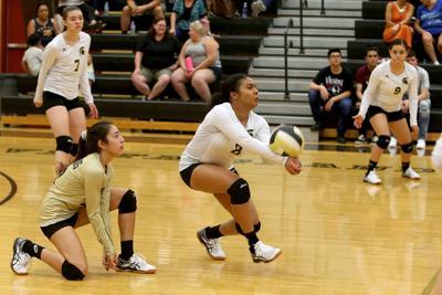Vista Grande vs. Mesquite volleyball 9/5/19