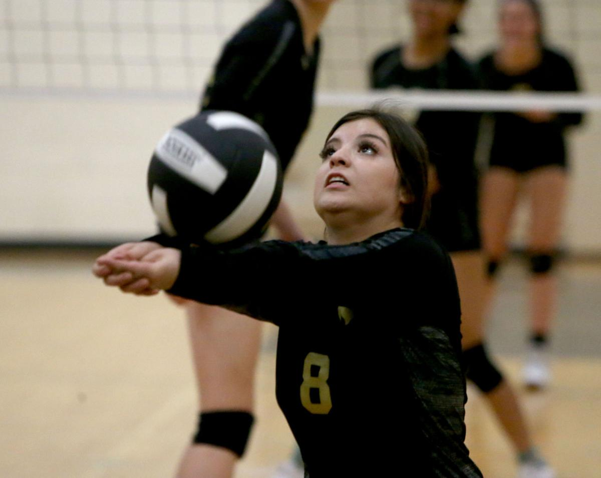 Vista Grande vs. Apache Junction volleyball