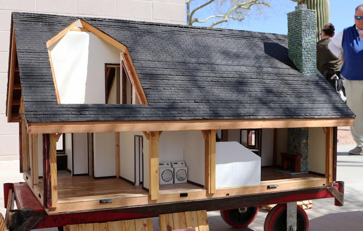 Eloy Doll House