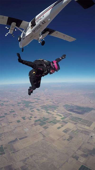 Despite skydiving risks, popularity soars   Area News