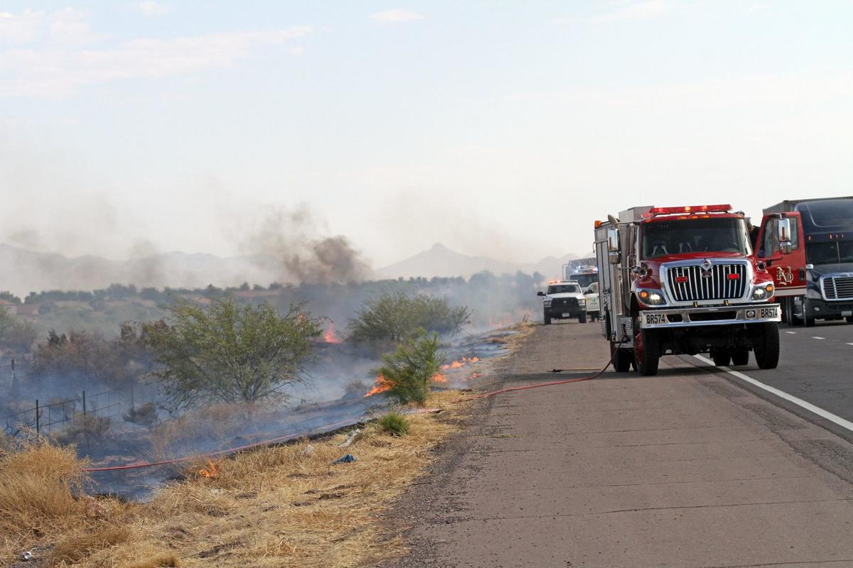 347 brush fire_9596.jpg