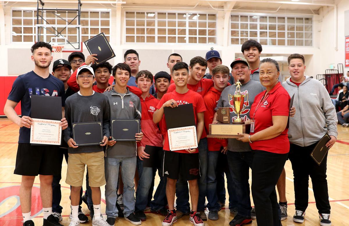 Santa Cruz Valley wrestling team 2020