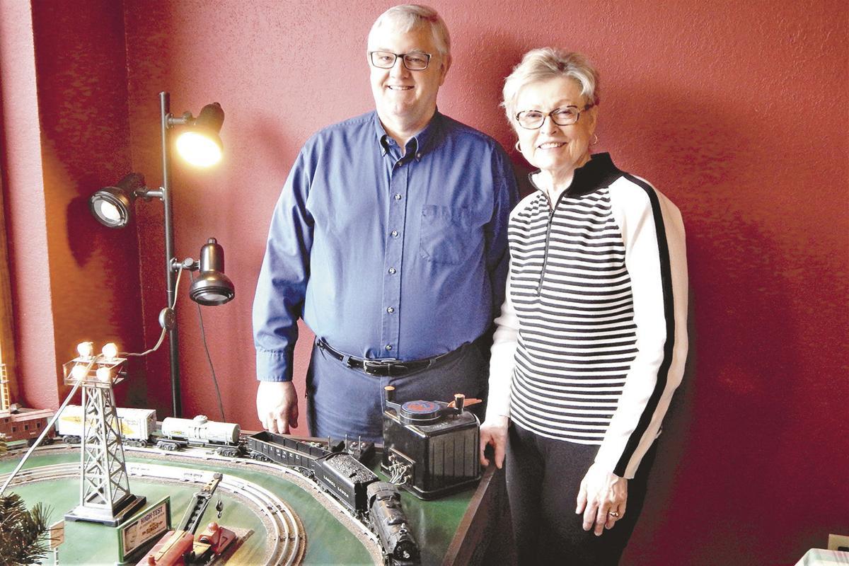 Monte Dybvig (left) and Karin Barfknecht