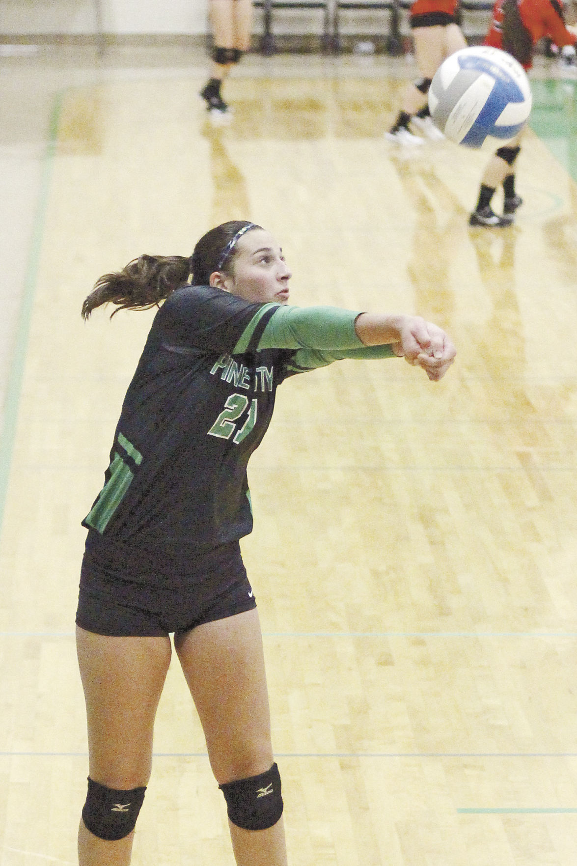 Volleyball team hosts Pine City Invite