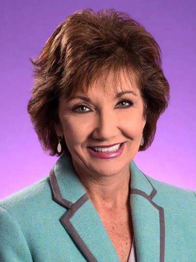 Lynn Roeder Headshot