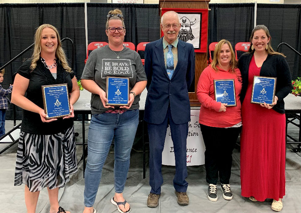 Challis Masons honor school staffers, young readers