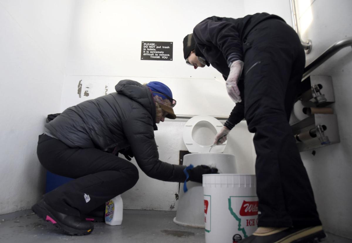 Government Shutdown, Yellowstone Bathrooms