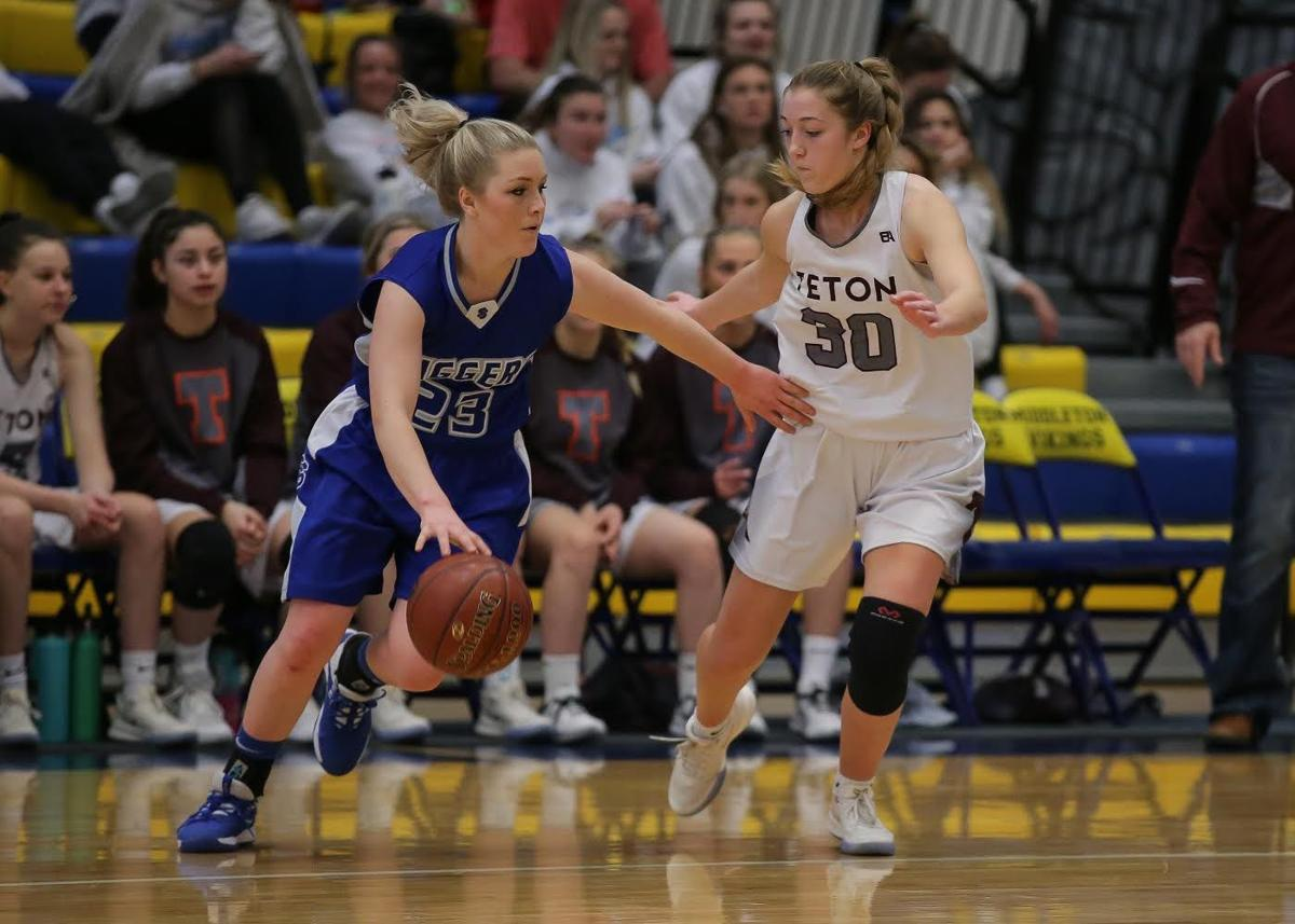 Sugar-Salem girls finish 23-2 season with 3A state consolation trophy