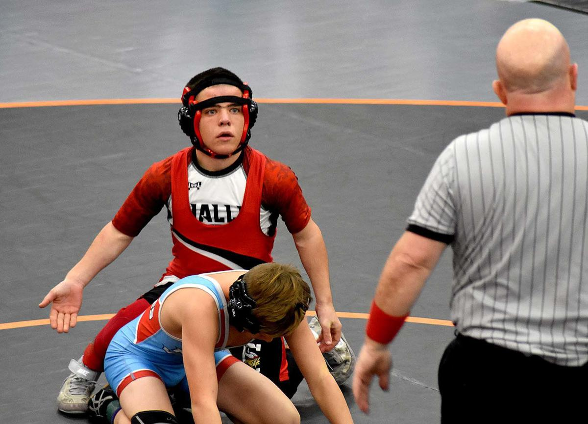Challis wrestlers score team points at Malad