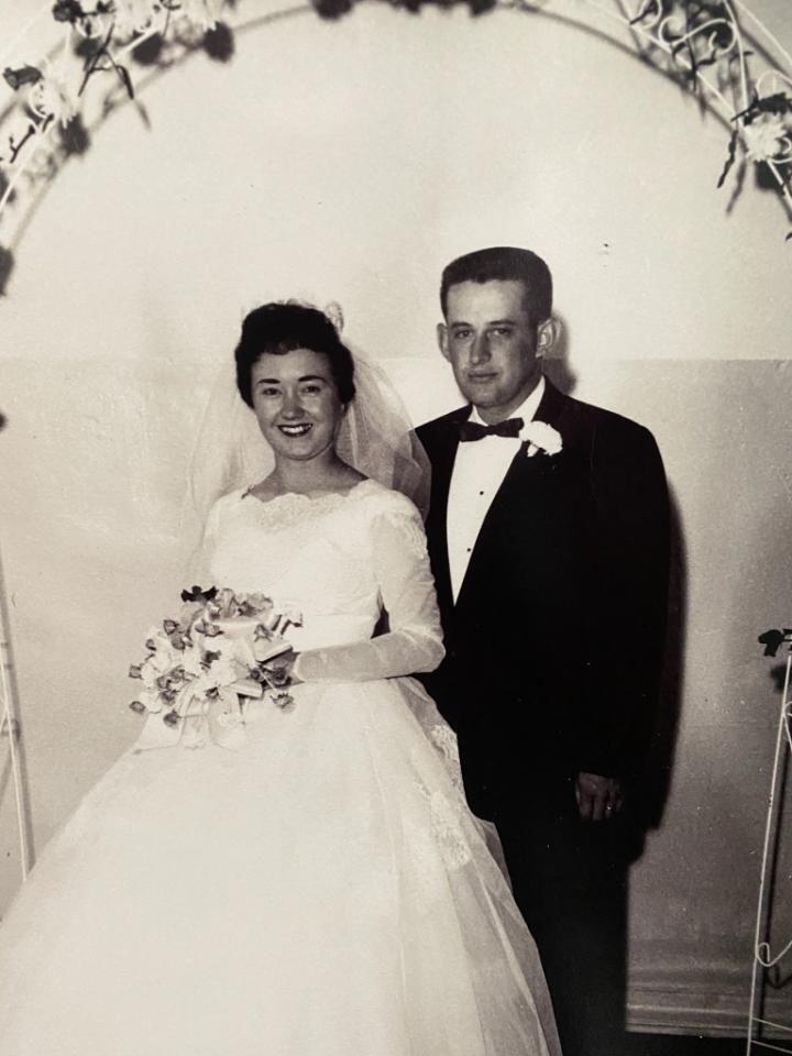 Caspers celebrate 60th anniversary