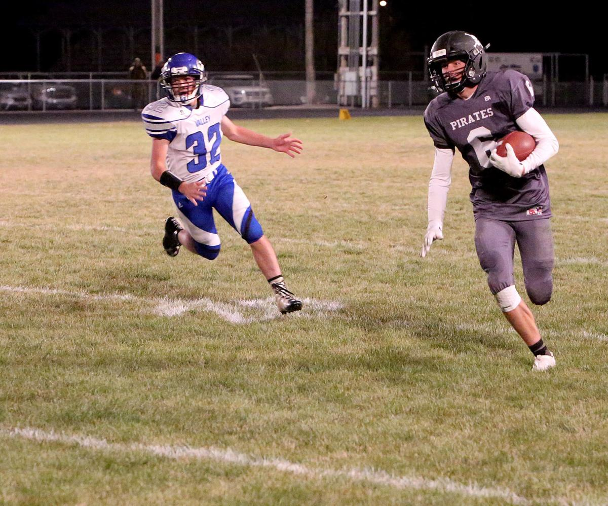 Mackay-Arco football combination proves unstoppable