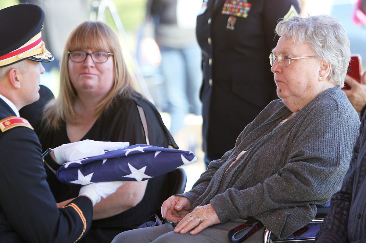 WWII soldier Lawrence E. Worthen comes home