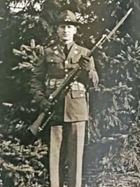 (WWI) Lloyd Gneiting