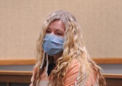 Lori Vallow wearing a mask
