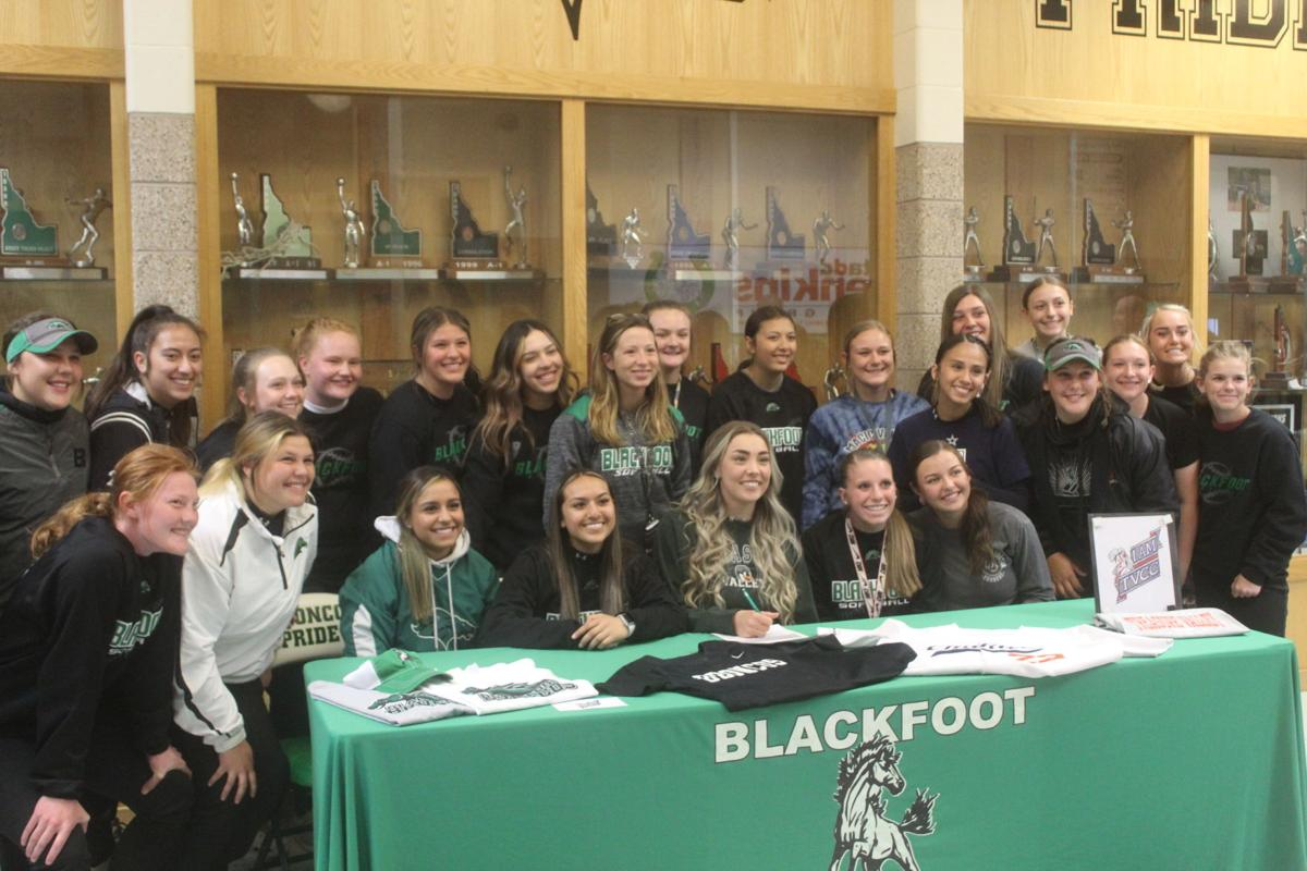 SOFTBALL: Blackfoot's Wixom signs with Treasure Valley Community College
