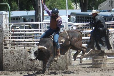 Riley Barber grabs Bull Riding Lead
