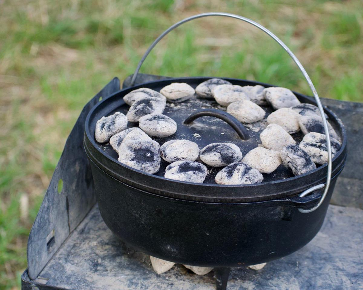 Enjoyable Connelly Be Sure To Give Dutch Oven Cooking A Try News Home Interior And Landscaping Spoatsignezvosmurscom
