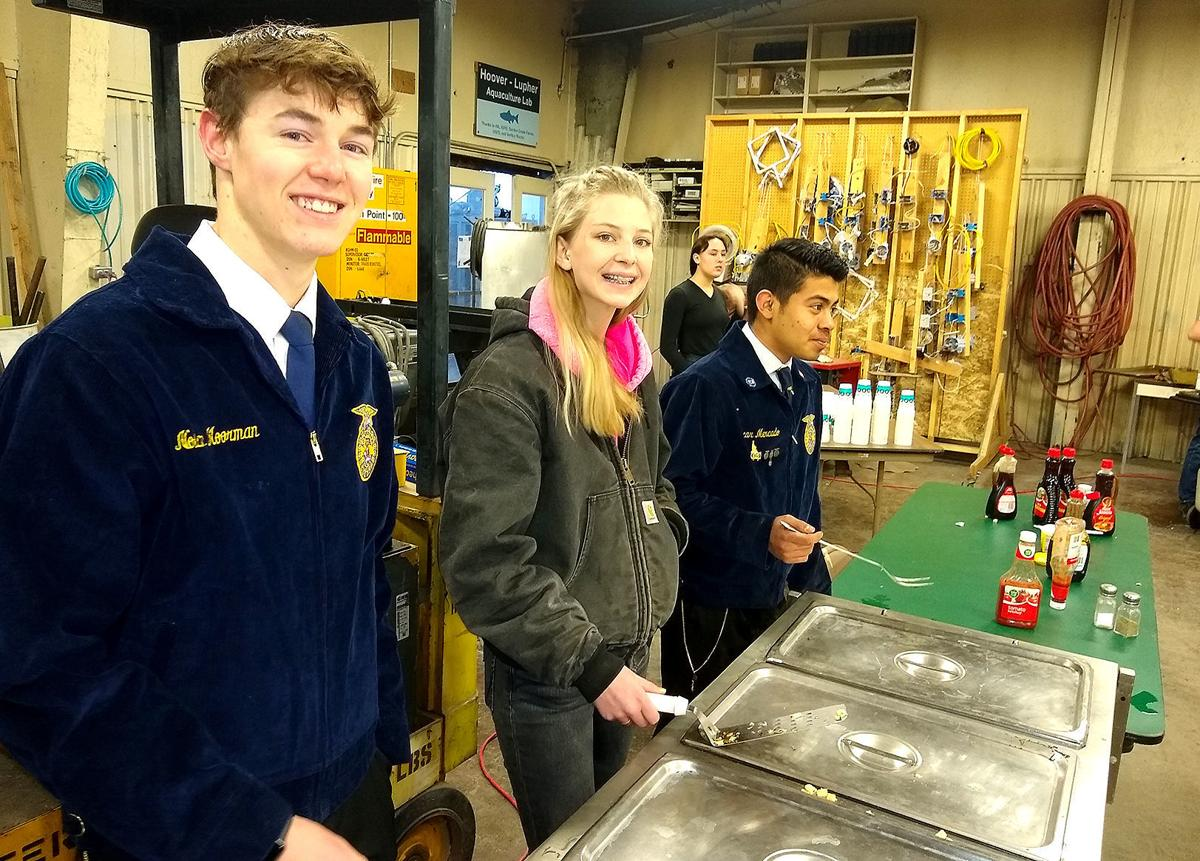 Mackay FFA members celebrate with breakfast