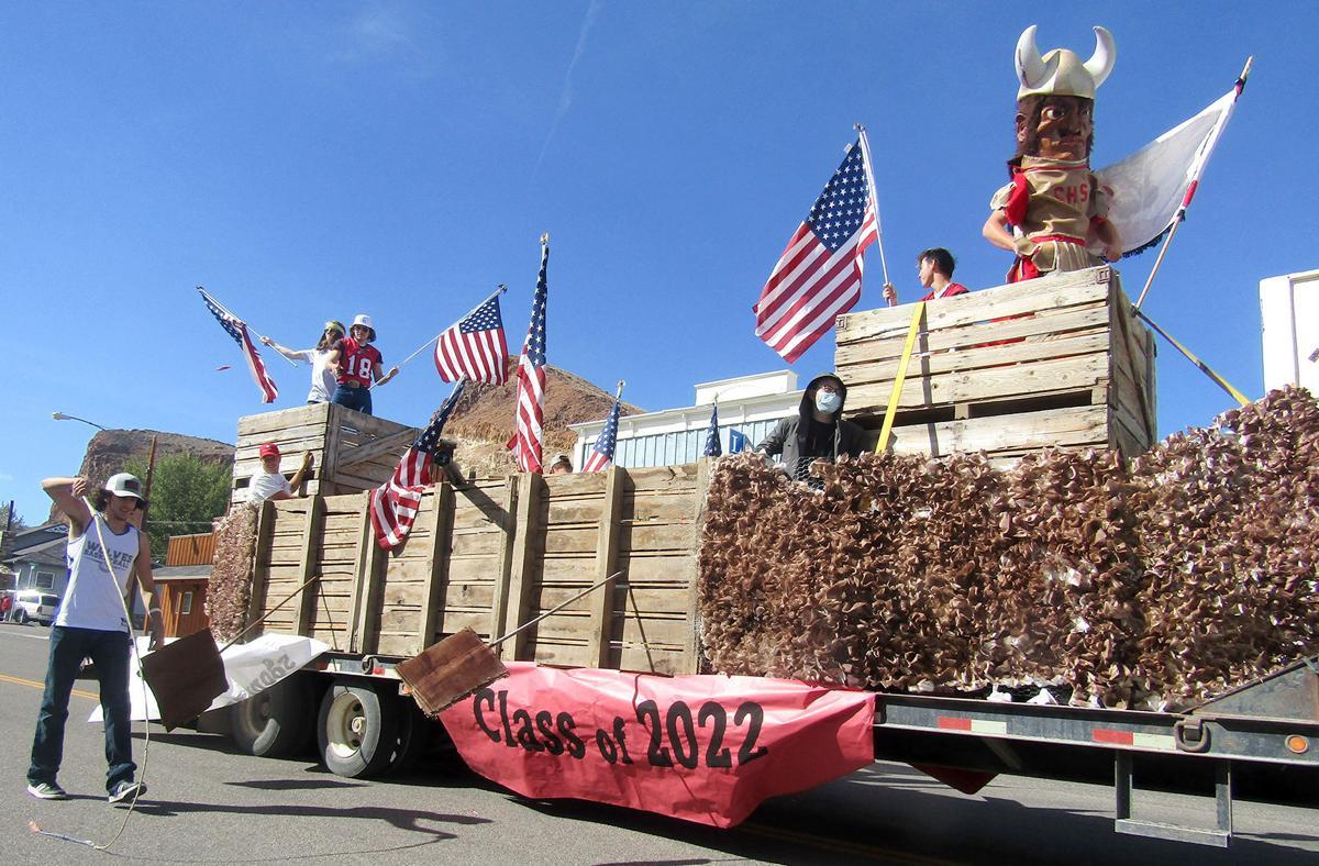 Homecoming parade amps up Challis community