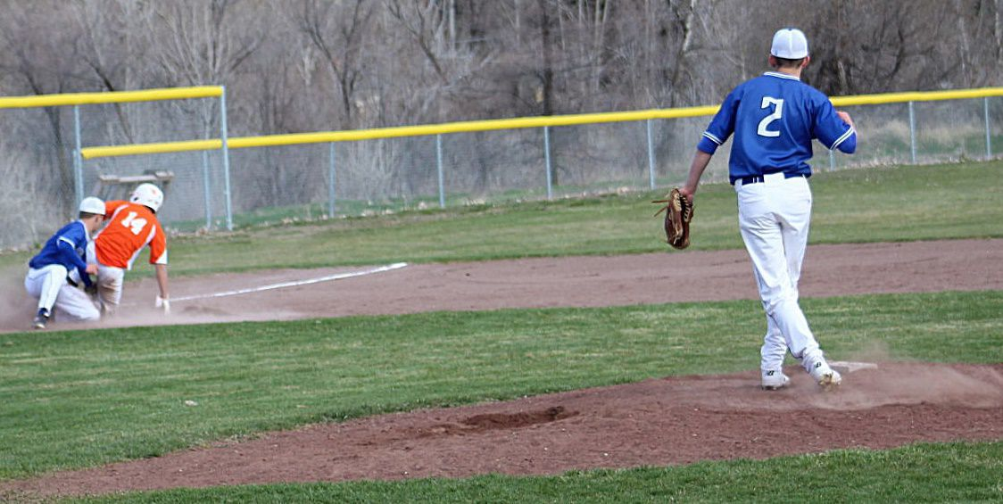 Cougars extend winning streak with win over Declo