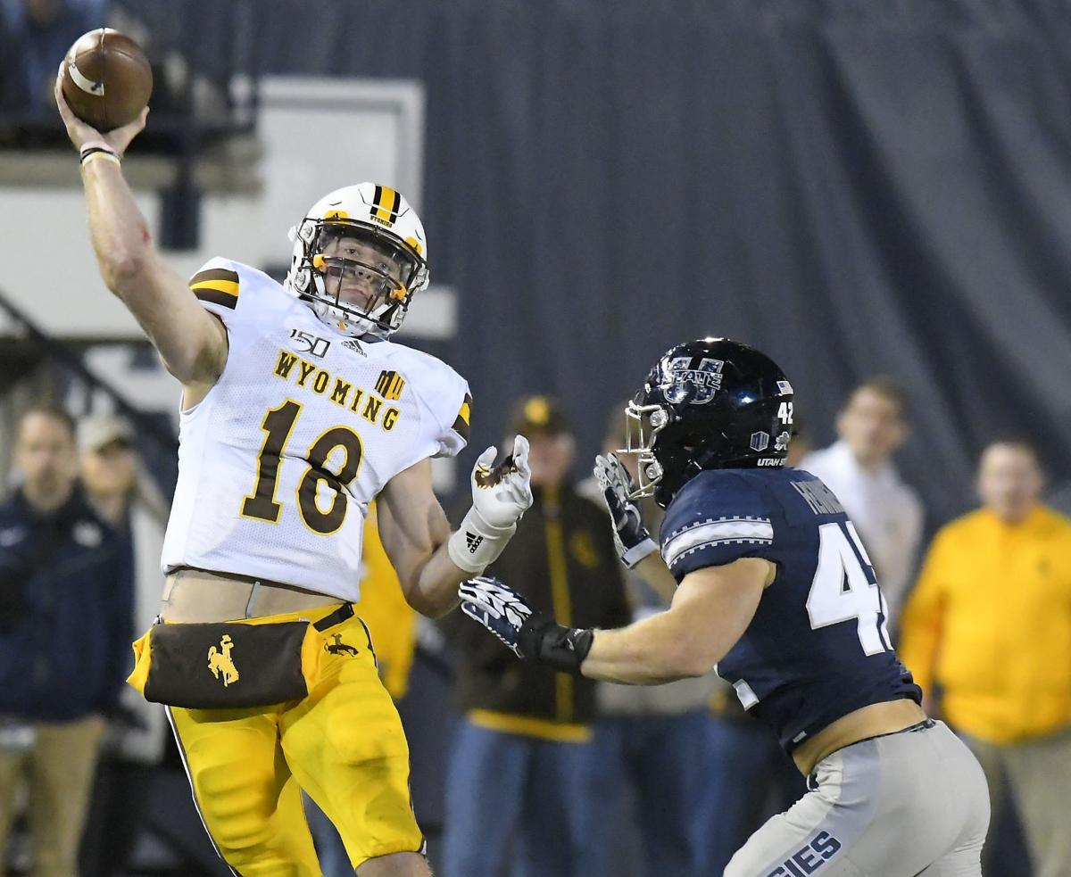 Former Wyoming QB Tyler Vander Waal to transfer to Idaho State