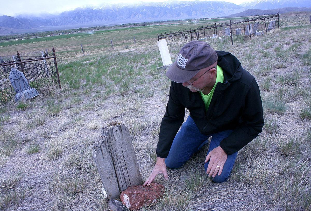 houston cemetery wood headstone 6.10.jpg
