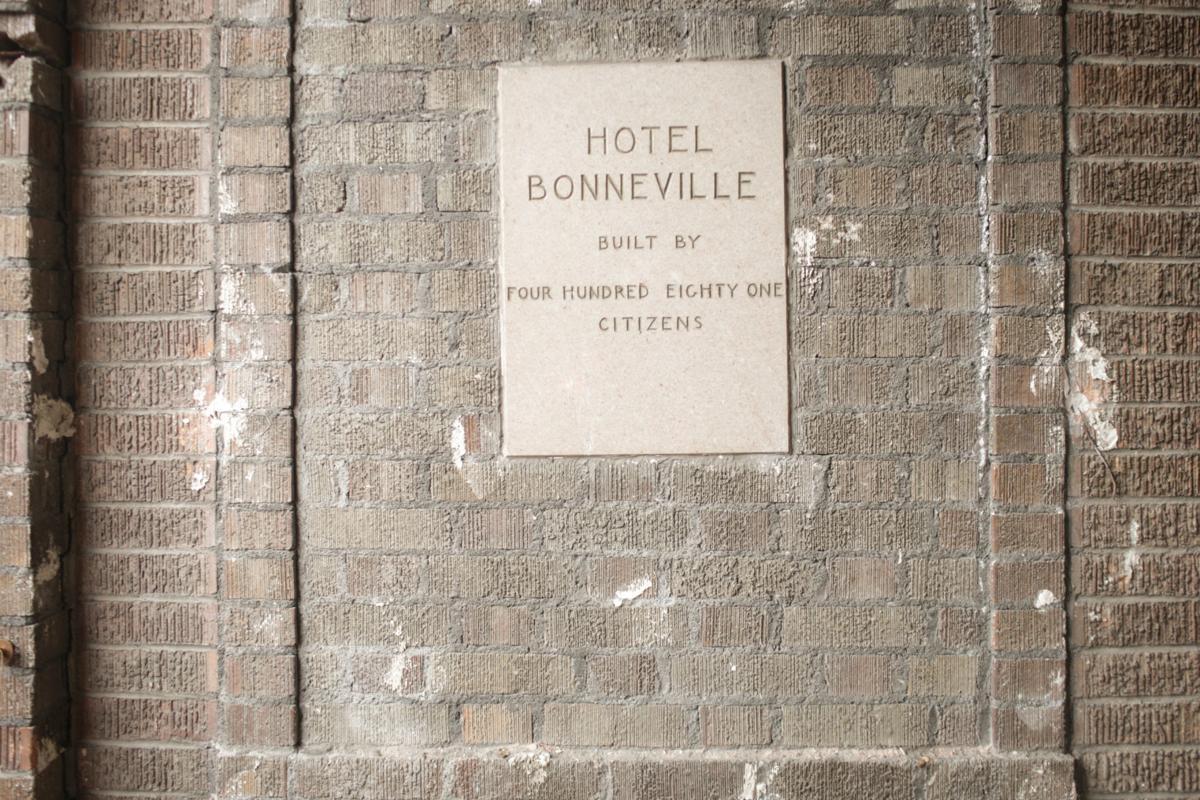 Bonneville Apartment tour