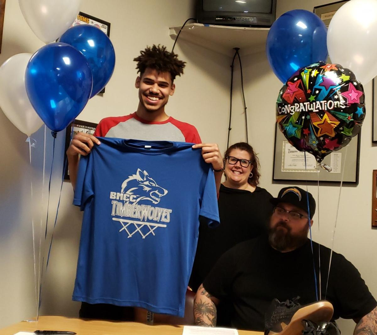 Skyline's Jodus Bates signs with Blue Mountain Community College men's basketball