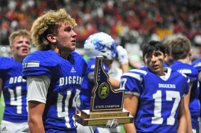 Sugar-Salem vs Homedale football trophy(IF)