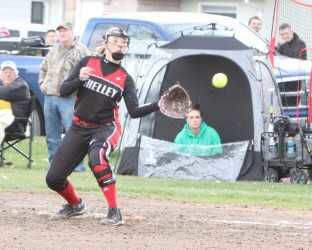Blackfoot Lady Broncos handle Shelley in High Country Conference softball