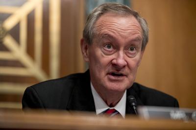 Sen. Mike Crapo in committee hearing
