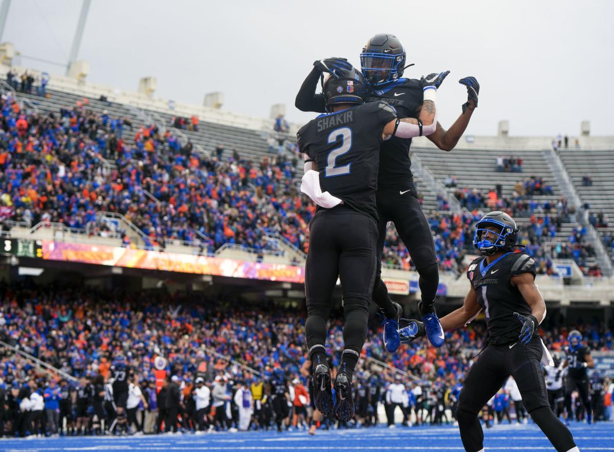 Boise State dominates Hawaii to win Mountain West Championship