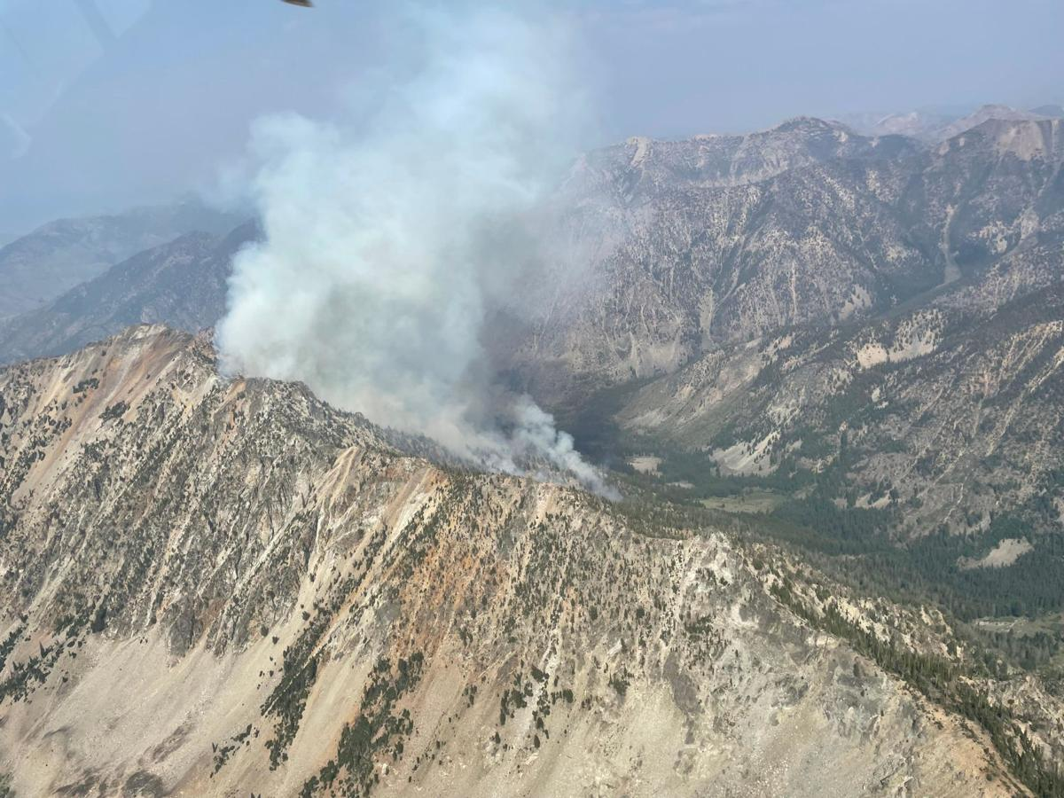 Protection and containment progress made on Mud Lick Fire