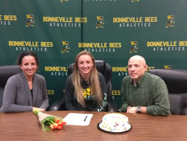 Bonneville's Hendrix signs to play soccer at Rogue CC