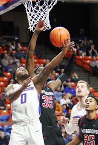 Boise State back into league play, but can Broncos win MWC?