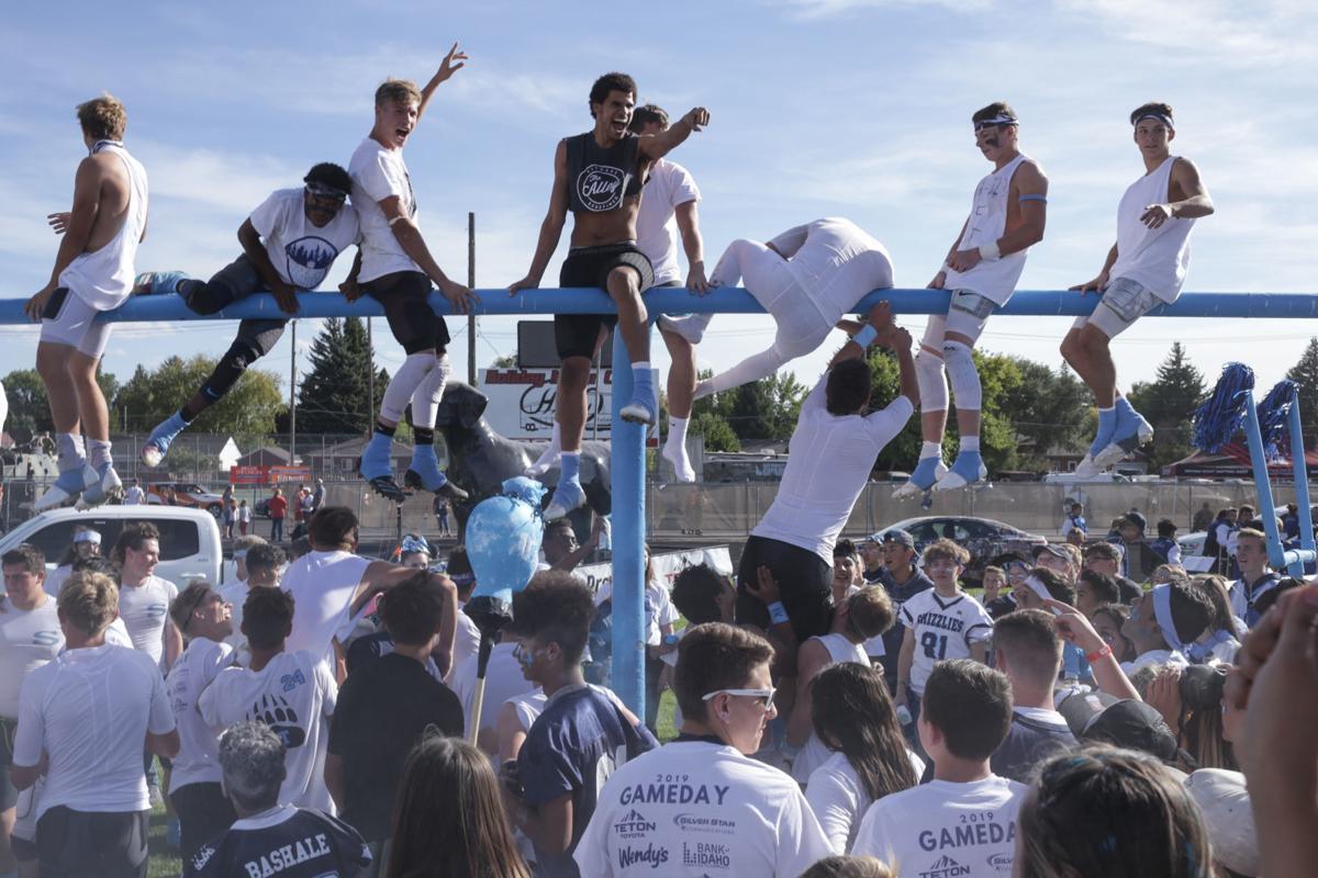Football: Skyline wins fifth-straight Emotion Bowl, 43-18