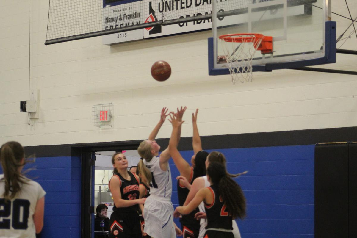 Lady Cougars grab victory with last second shot