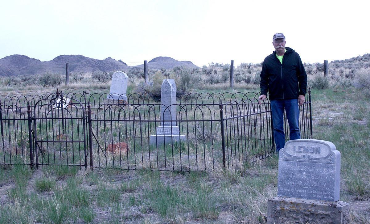 houston cemetery family plot 6.10.jpg