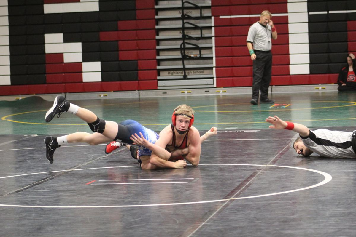 County teams post Wednesday wrestling results