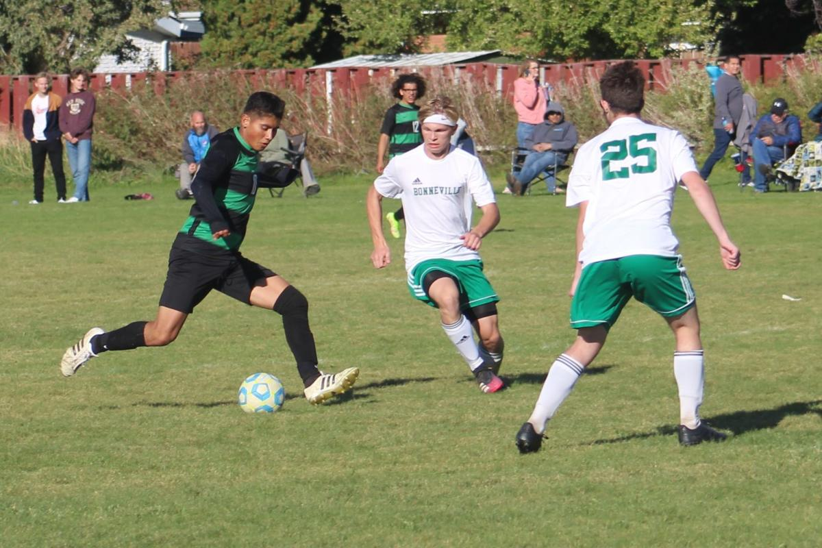 Broncos top Bees in soccer, tie for league's top spot