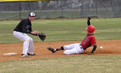 Snake River grabs conference lead