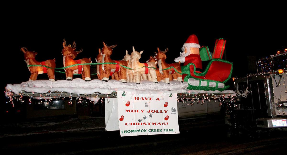 Holiday parade ignites, lights up Challis