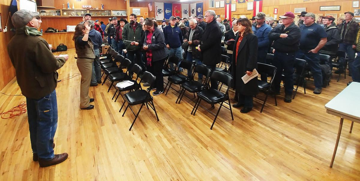 Challis crowd stands up against more wilderness