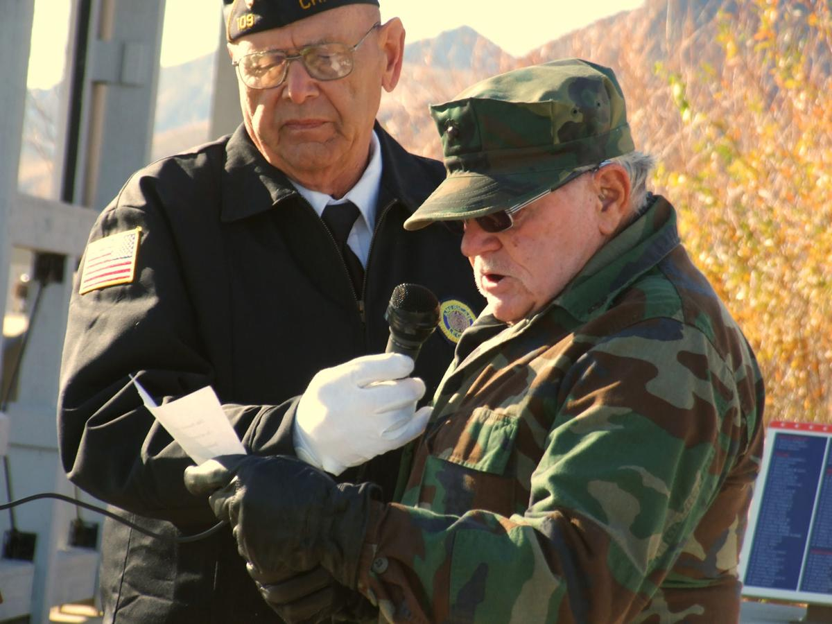 Veterans mark 100th anniversary of armistice