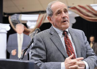 Risch at Lincoln day dinner