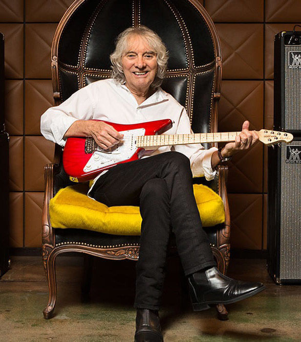 Albert Lee at The Strand Theatre