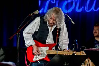 Albert Lee at The Strand